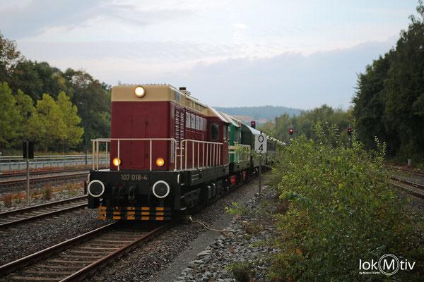 107 014-8 und T435 0145 Bereitstellung des Zuges in Schwarzenberg (Erzg.)