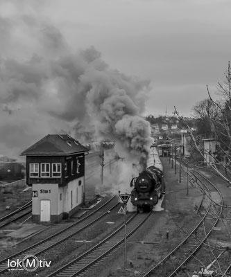 Mit 03 2155-4 geht es nach Naumburg / Saale (12/2019)