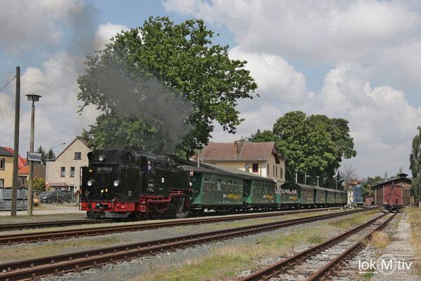 99 1789-9 bereit zur Abfahrt im Bahnhof Radeburg (08/2018)