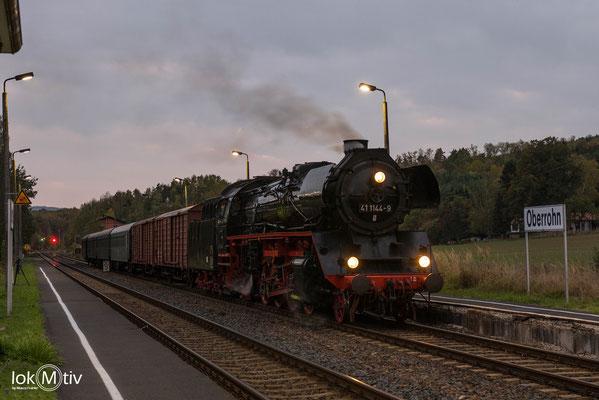 41 1144-9 wartet in Oberrohn auf Abfahrt in Richtung Eisenach