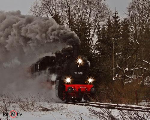 94.1538 auf dem Weg zum Bahnhof Rennsteig kommend 12/2017