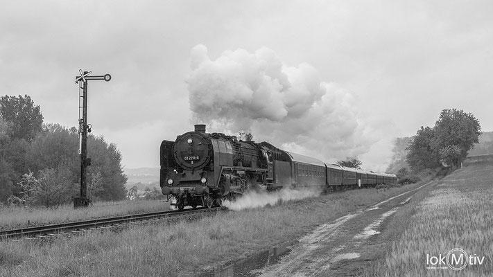 01 2118-6 in Breitungen nahe dem See in Richtung Eisenach (05/2019)