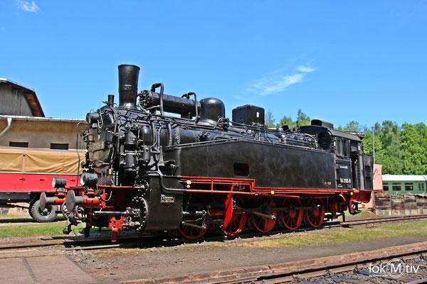 94.2105-8 in der Ausstellung zu den Schwarzenberger Eisenbahntagen 05/2018