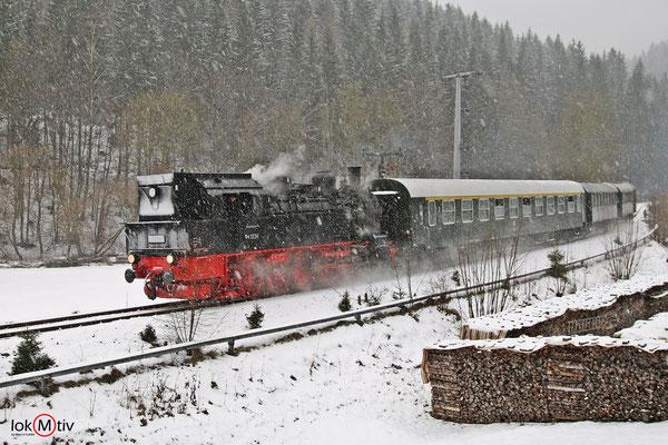 94.1538 vom Bahnhof Rennsteig kommend 12/2017