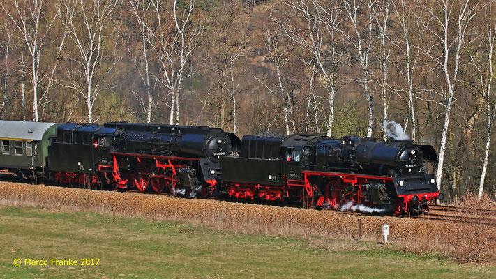35 1097-1 und 01 0509-8 bei Oelsnitz im Vogtland 04/2017