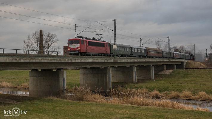 Der eigentliche Reisezug nach der Ausfahrt in Glauchau zur Bereitstellung nach Plauen