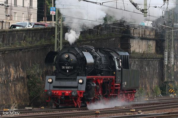 35 1097-1 in Dresden Hbf nach dem Vorräte ergänzen 08/2017
