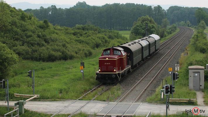 DB V100 211 041-9 nach Kulmbach 05/2018