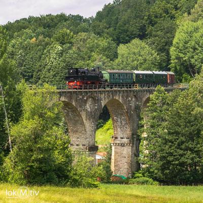 Auf dem Viadukt in Sonneberg, nach erneutem Fahrtrichtungswechsel wieder Tender voraus