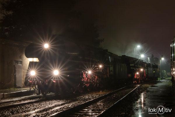 01 1509-8 und 01 1519-6 - Es ist angerichtet. Beide Lokomotiven sind mit Vorräten aufgefüllt und gekuppelt  (10/2019)