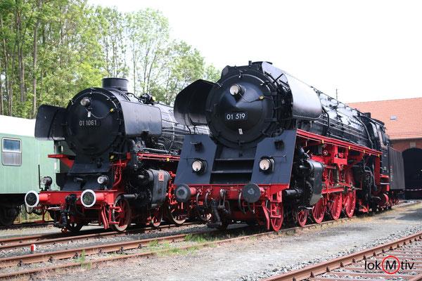 DB 01 1061 und DR 01 519 im Deutschen Dampflokmuseum in Neuenmarkt 05/2018