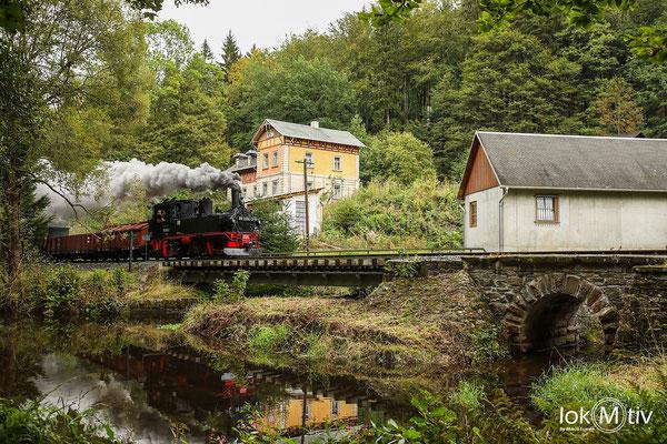 """99 1594 am """"bunten Haus"""" an der Bahn der Klassiker für Spieglungen"""