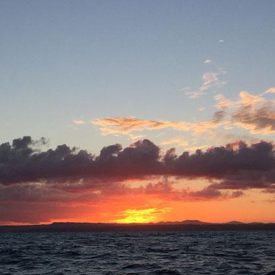 der neue Tag startet mit einem wunderbaren Sonnenaufgang