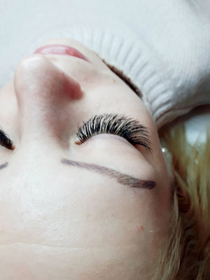 Volume Lashes - Ayana hair & more