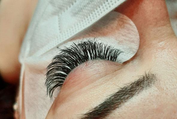 Volume Lashes 4D Ayana hair & more Binningen