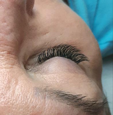 Wimpernverlängerung 1:1 Technik Ayana hair & more Binningen