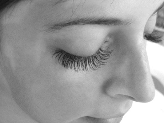 Wimpernverlängerung 1:1 Technik Ayana hair & more