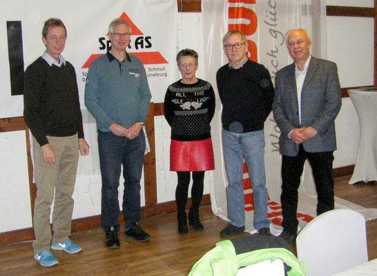 Salah Cup Organisatoren: v.l. Rolf Düngefeld ( SV Gellersen), Gerhard Müller (MTV Amelinghausen), Regina Basedow (TuS Hohnstorf), Norbert Jansen (TSV Adendorf), Wolfgang Rexhausen (Thomasburger SV)