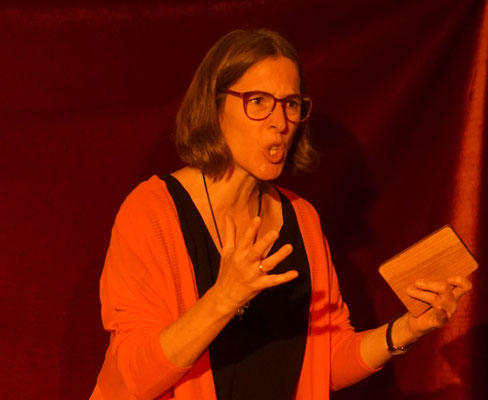 Simone Saitenfeder
