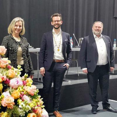 Andreas Zippel (Mitte) mit Beate Kuhn (stellv. Vors. der SPD-Fraktion) und Thomas Bauske (Vorsitzender der SPD-Fraktion)