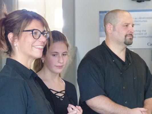Notre traiteur Du Corbeau: Mme. Nathalie, sa fille Alicia et Frédéric Giusti.