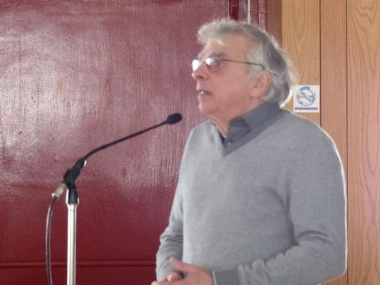 Un conseiller de la ville de St-Casimir souhaite la bienvenue aux membres de la SHEP.