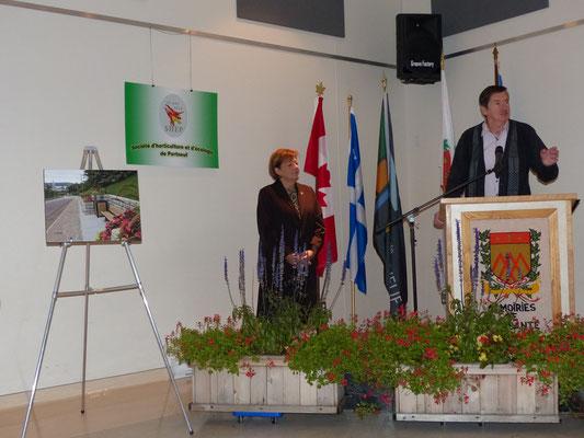 Monsieur Fernand Lirette, conseiller à la Ville de Saint-Raymond remercie la population de St-Raymond pour les aménagements paysagers.