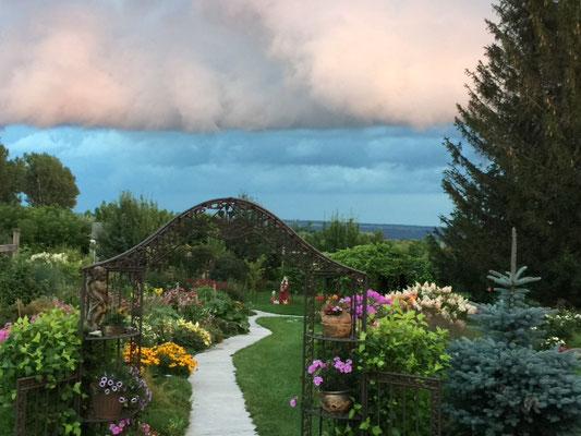 Concours ''Jardins privés 2018'' : Deuxième choix du public, Mme. Paulette Camirand de Donnacona.