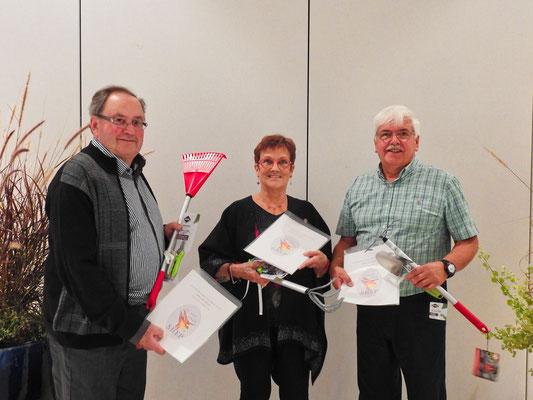 Les trois gagnants du concours ''Photos nature 2018'': M. Rolland Hamel représente Mme. Suzanne Claveau qui était absente; Mme. Francine Tessier et M. Bruno Carpentier.