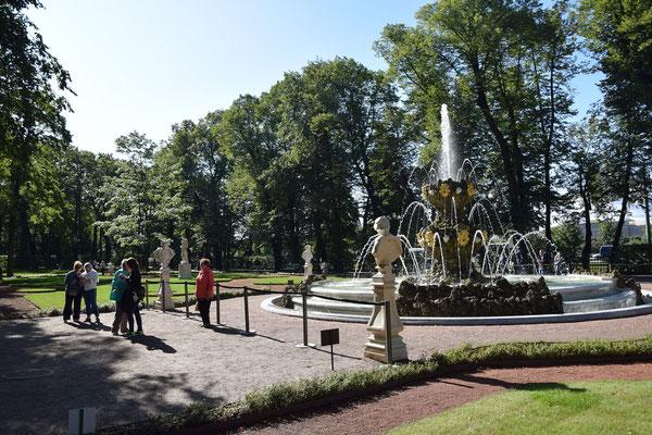 Springbrunnen im Sommergarten