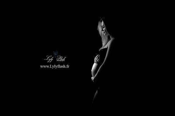 photo grossesse ombre noir et blanc