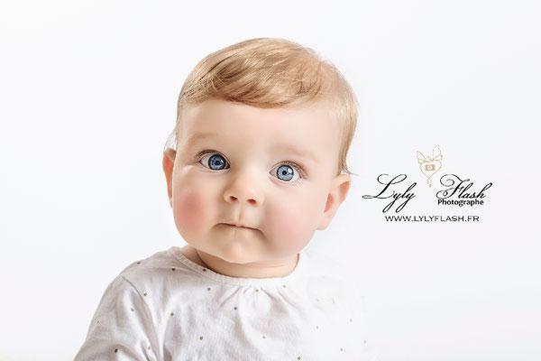 portrait bébé fille par photographe toulon six fours marseille draguignan fréjus