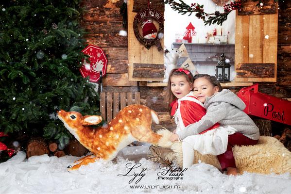 photographe noel christmas studio photo magique Papa noël Toulon enfant Bébé famille Aix en provence nice draguignan fréjus monaco