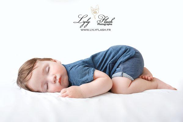 posing baby 10 month  old baby photographe posing bébé 10 mois grand bébé