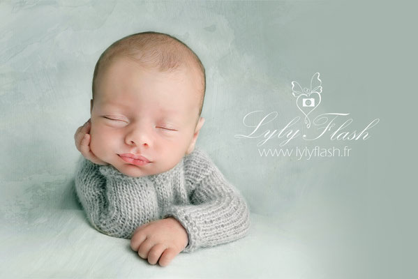photo nouveau-né photographe newborn posing Monaco