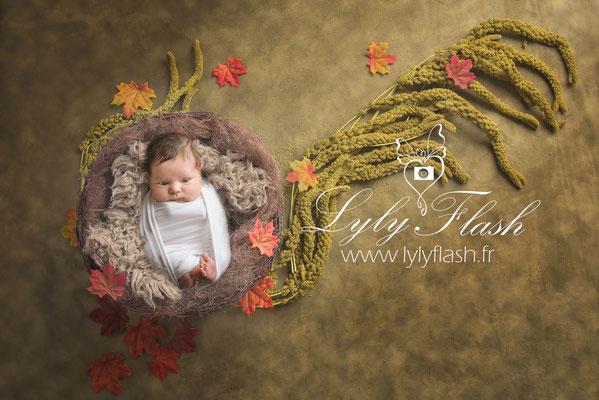 photographe d'art pour bébé a la naissance a monaco herbe et nature