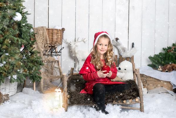 Le petit chaperon rouge photographe pour enfant à noel