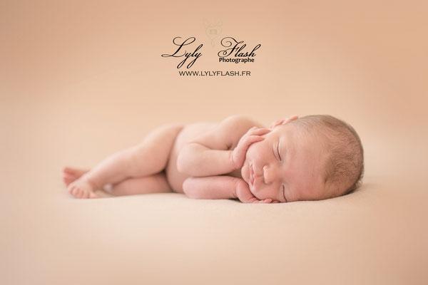 photographe newborn posing marseille