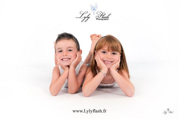 photographe bébé et enfant en studio photo dans le var