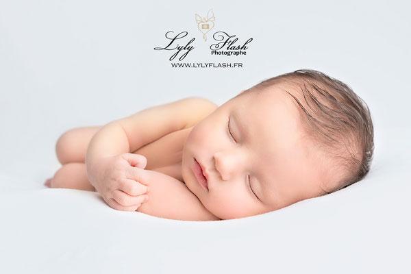 photographe de naissance pour nouveau-né