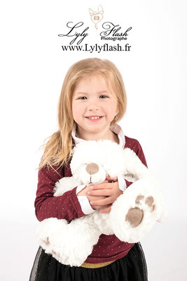 photographe Rougiers  enfant en studio photo dans le var PACA FRANCE