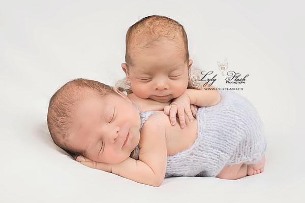 jumeaux photographie de posing newborn naissance bébé studio photo Monaco