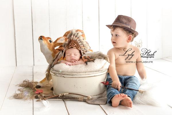 photographie originale bébé naissance indien coiffe photographe lyly flash cow boy garçon