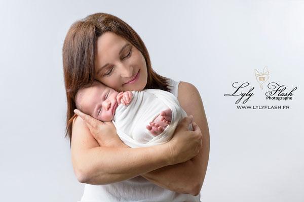 photographe studio Lylyflash . photographe professionnelle de la maternité et de la photographie de bébé près de Toulon