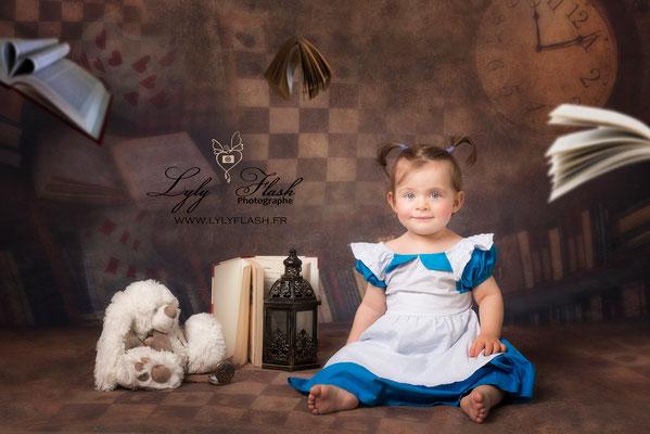 portrait de bébé fille en studio par photographe professionnelle
