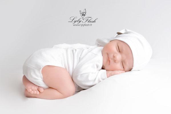 photographe nouveau-né  bébé Salernes