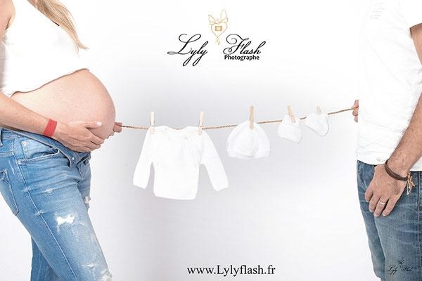 photo ventre grossesse et corde a linge par photographe fréjus