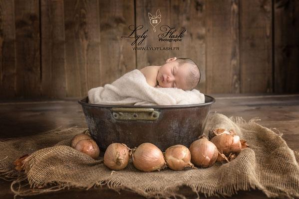 photo artistique naissance nouveau-né bébé Monaco
