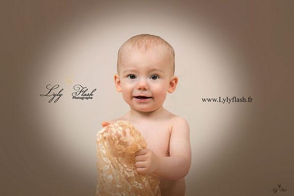 photographe 83 portrait de bébé séance photo dans le var 83 brignoles