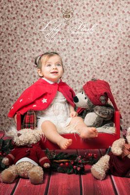 photographe pour bébé de 12 mois princesse portrait de noel so cute
